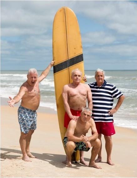Они позируют на пляже, прежде чем уйти на войну. Это фото 50 лет спустя заставит тебя заплакать!